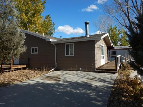 431 2nd Ave W, Ranchester, WY 82839