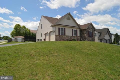 1000 Helm Ln, Reading, PA 19605