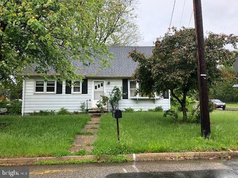 Photo of 105 Lakeview Ter, Mount Holly, NJ 08060