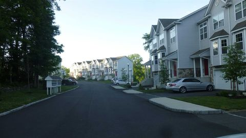 Photo of 43 Berry Ln Unit 43, Wappingers Falls, NY 12590