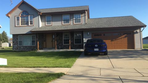 Photo of 430 E Quail Run, Oak Creek, WI 53154