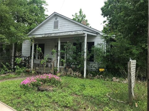 Photo of 472 E Brenham St, Giddings, TX 78942