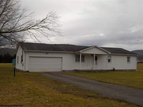 392 River Bend Estates Rd, Parsons, WV 26287