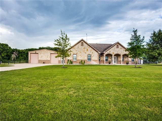 299 Miramar Cir Weatherford, TX 76085