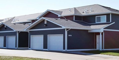 Photo of 1802 12th St S, Brookings, SD 57006