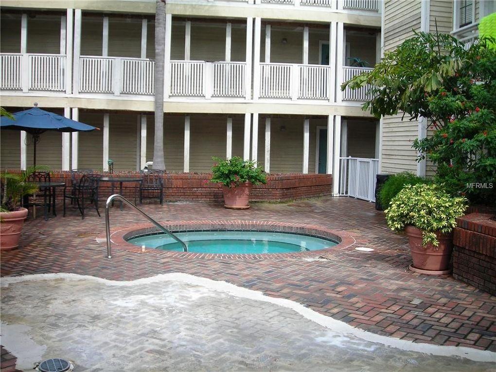 1000 W Horatio St Apt 209, Tampa, FL 33606