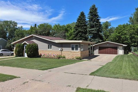 Minot Nd Real Estate Minot Homes For Sale Realtor Com 174