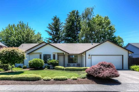 Photo of 1324 Golden Ln N, Keizer, OR 97303