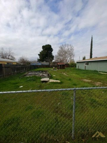 Photo of 2308 Gage St, Bakersfield, CA 93305