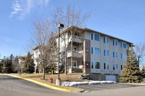 Golden Valley, MN Condos & Townhomes for Sale - realtor.com®