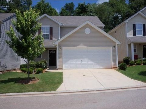 Dallas GA Homes With Special Features