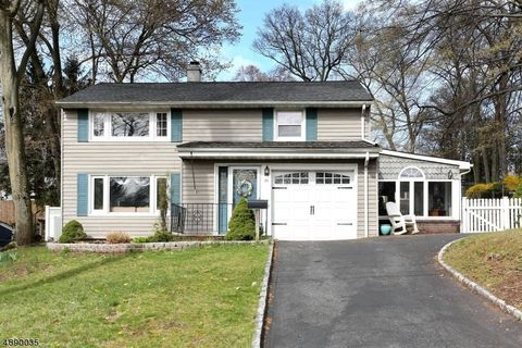 Photo of 26 Howard Pl, Waldwick, NJ 07463