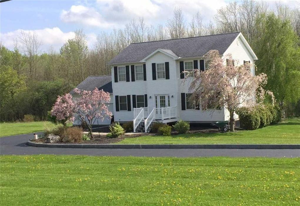 1247 County Road 4 Rd Geneva, NY 14456