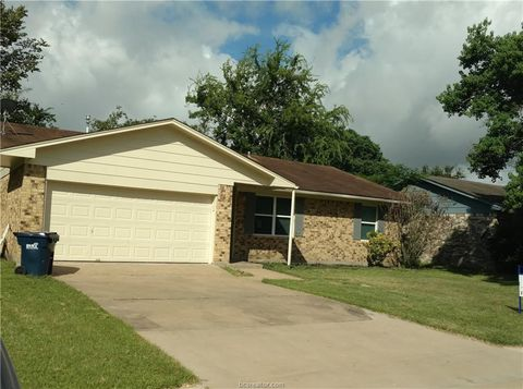 Photo of 1802 Langford St, College Station, TX 77840