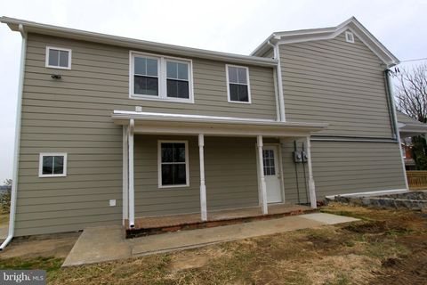 2153 Berryville Pike Unit B, Rippon, WV 25441
