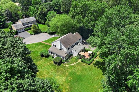 Photo of 6 Caryl Ln, Harrison, NY 10528