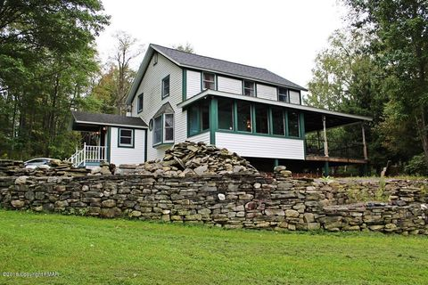 Photo of 61 Summit Rd, Gouldsboro, PA 18424