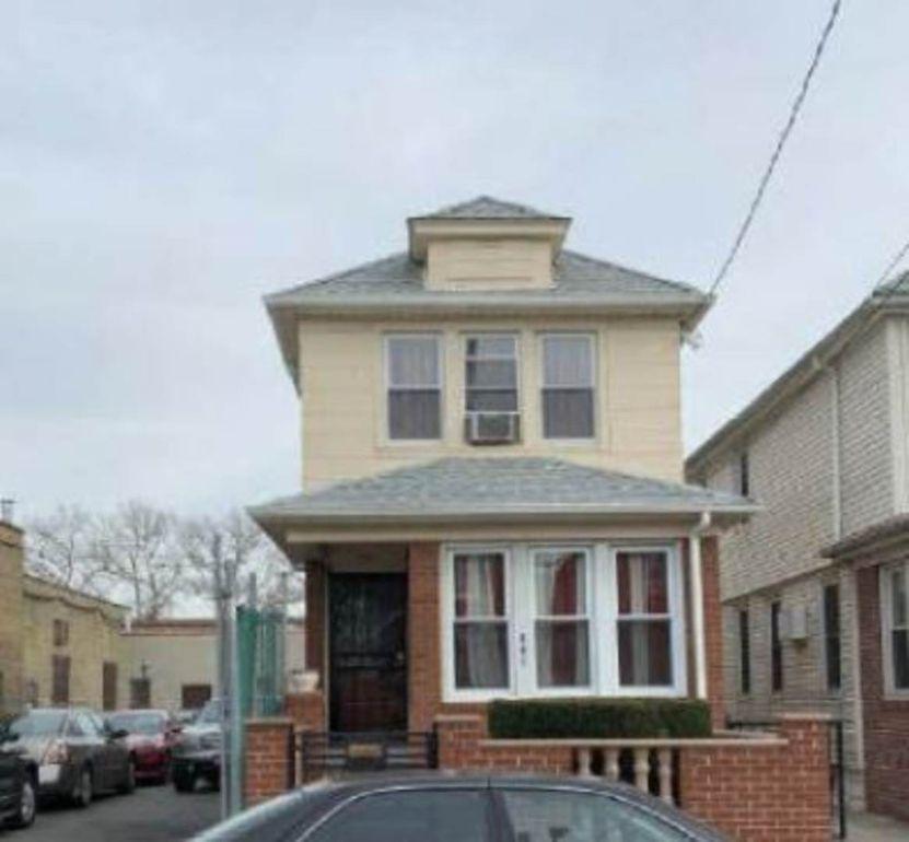 941 E 42nd St, Brooklyn, NY 11210