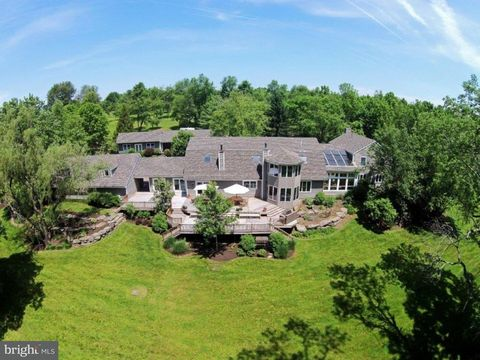 1636 Wrightstown Rd, Newtown, PA 18940