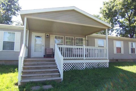 121 S Kansas Ave, Severy, KS 67137