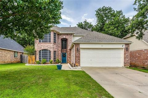 Photo of 513 Laurelwood Rd, Burleson, TX 76028