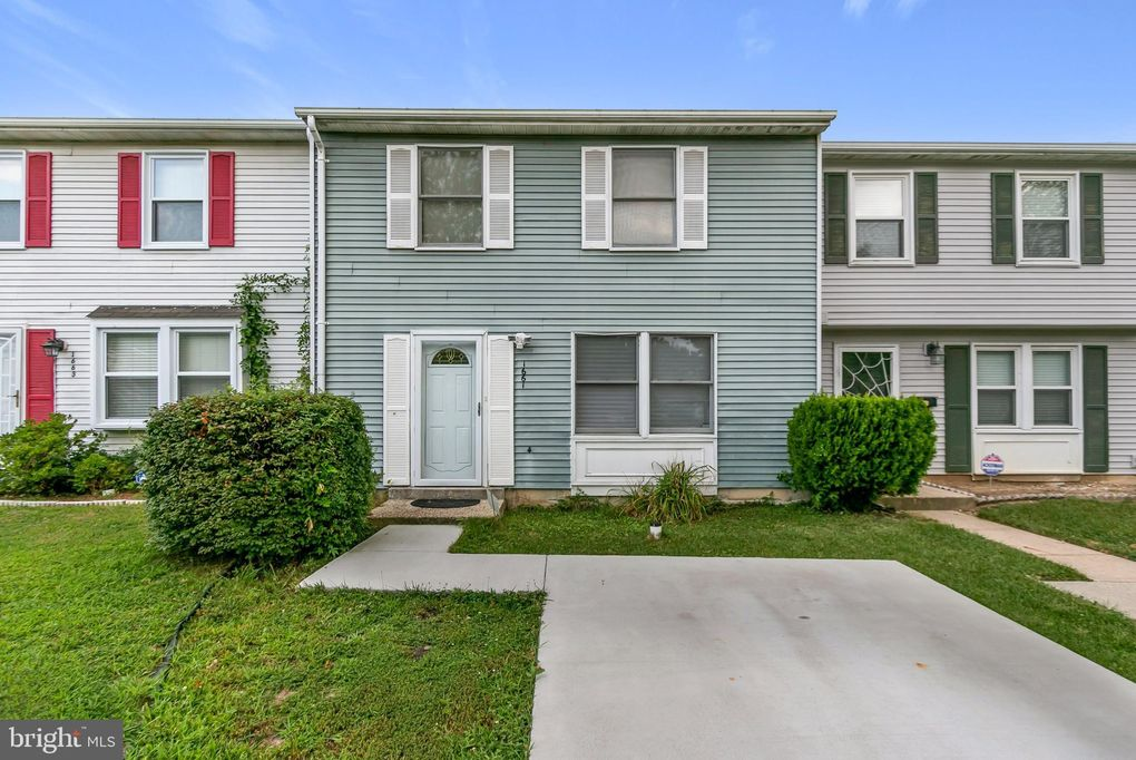 1661 Forest Park Dr District Heights, MD 20747