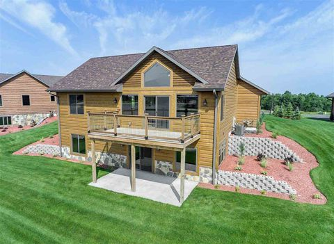 Photo of N7583 S Stone Gate Dr, New Lisbon, WI 53950