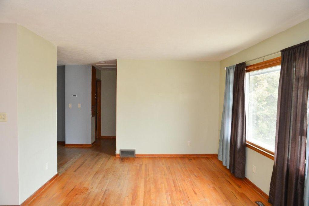208 N Van Buren Ave, Pierre, SD 57501