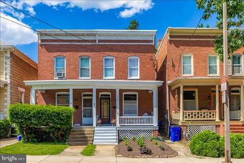 Photo of 205 W South St, Frederick, MD 21701