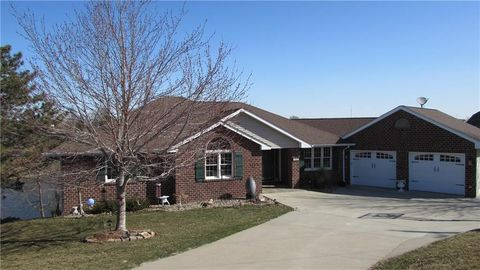 1465 S Shore Dr, Knoxville, IA 50138