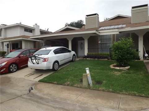 Photo of 737 Valiant Cir, Garland, TX 75043