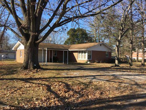 Photo of 204 N Pecan St, De Soto, IL 62924