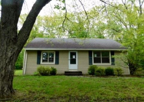 Photo of 28 Mountain View Ter, Rensselaer, NY 12144