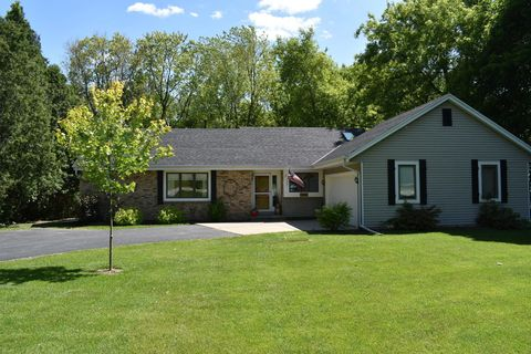 Photo of 13541 W Cleveland Ave, New Berlin, WI 53151