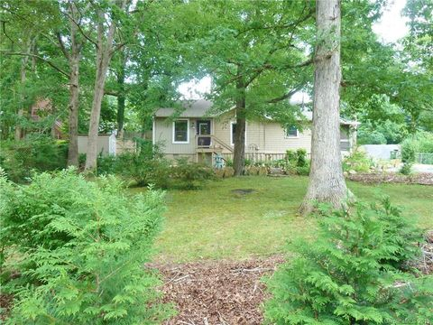 Photo of 4 Spruce Dr, Asheville, NC 28805