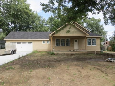 Photo of 23 7th St, Woodbine, IA 51579