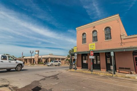 Photo of 103 E Main St, Bellville, TX 77418