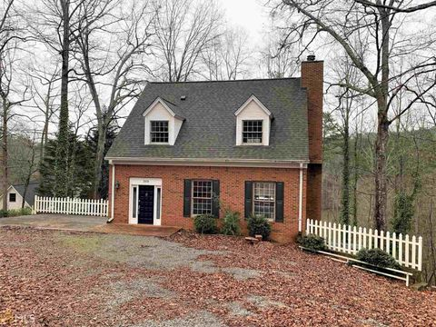 Photo of 3978 Pine Shore Cir, Gainesville, GA 30501