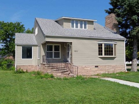 1011 N Jackson St, Lexington, NE 68850