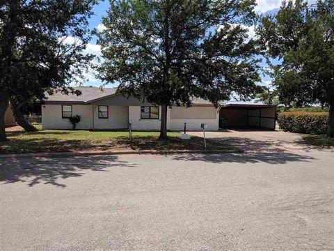Photo of 1322 N 4th St, Iowa Park, TX 76367