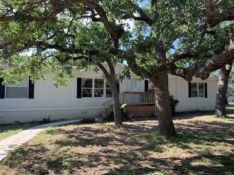 Photo of 662 Woodland Acres Dr, Marble Falls, TX 78654
