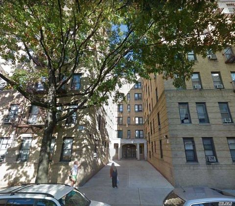 Photo of 91 E 208th St Apt 4 E, Bronx, NY 10467