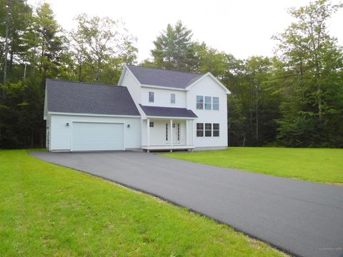 Photo of 21 Commons Dr, Lewiston, ME 04240