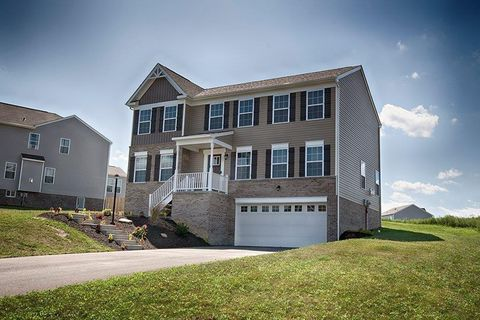 Photo of 157 Heathfield Dr, Sarver, PA 16055