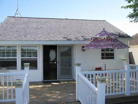 8901 Westview Dr, Lake, MI 48632