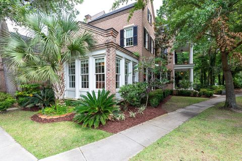 Photo of 161 N Shelmore Blvd, Mount Pleasant, SC 29464