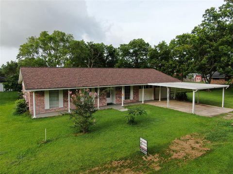 Photo of 115 Dingee St, Jones Creek, TX 77541