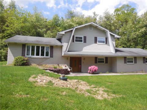 Photo of 487 Willow Rd, Lehigh Township, PA 18088