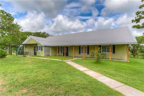 Photo of 906 County Road 3592, Paradise, TX 76073