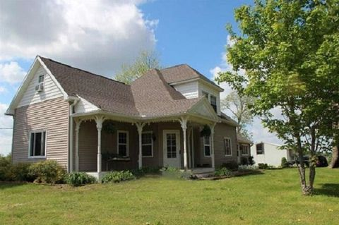 Photo of 6746 W County Road 800 N, Fairbanks, IN 47849